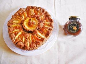 torta di mele e marmellata alle albicocche 10